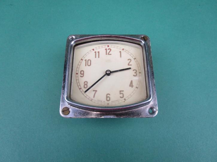 Uhr für Handschuhfachdeckel BMW 335 340
